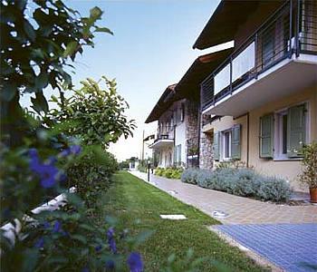 Alberghi arco lago di garda hotel pensioni ostelli for Appartamenti lago di garda affitto