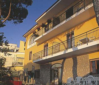 Alberghi massa lubrense costiera amalfitana e sorrentina hotel pensioni ostelli appartamenti - Dive residence massa lubrense ...