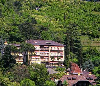 Alberghi merano via verdi quarazze hotel pensioni for Appartamenti in affitto a merano
