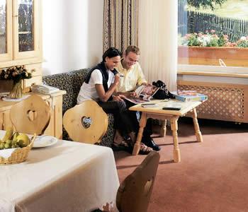 Alberghi selva di val gardena val gardena hotel pensioni for Selva di val gardena appartamenti